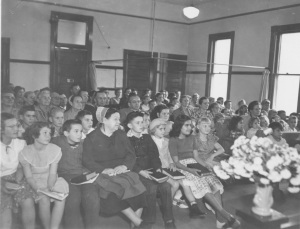 An image of the Chino congregation in the 1920s, shortly after the Brethren in Christ bought the old schoolhouse building (Brethren in Christ Historical Library and Archives)