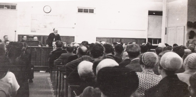 A session at the Brethren in Christ General Conference of 1946, held at the Cross Roads Church in Mt. Joy, Pennsylvania. (Brethren in Christ HIstorical Library and Archives)