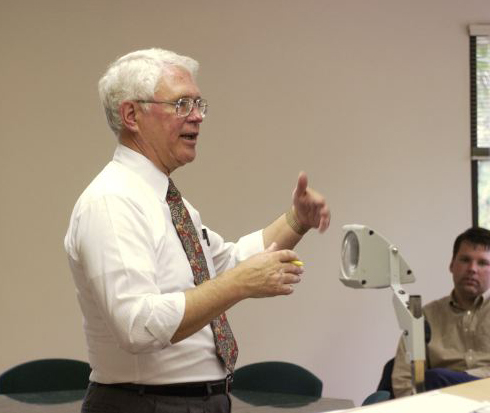 Luke L. Keefer Jr. teaches a course at Ashland Theological Seminary, the institution at which this Brethren in Christ theologian and church historian spent the majority of his career. (Courtesy of ATS)